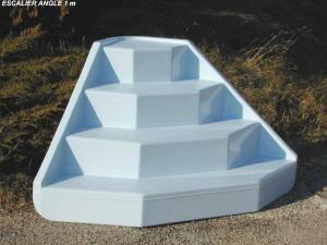 Hauteur marche piscine cheap hauteur marche piscine with hauteur marche piscine affordable - Escalier inox pour piscine ...