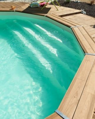 piscine bois escalier